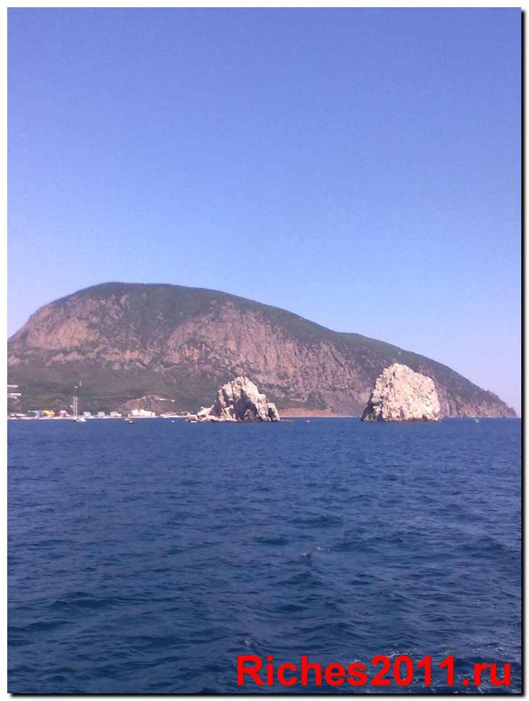 Гора Аю-Даг и музей камней.