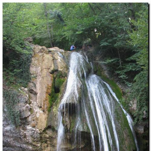 Водопад Джур-Джур — «Журчащий», даже знойным летом.
