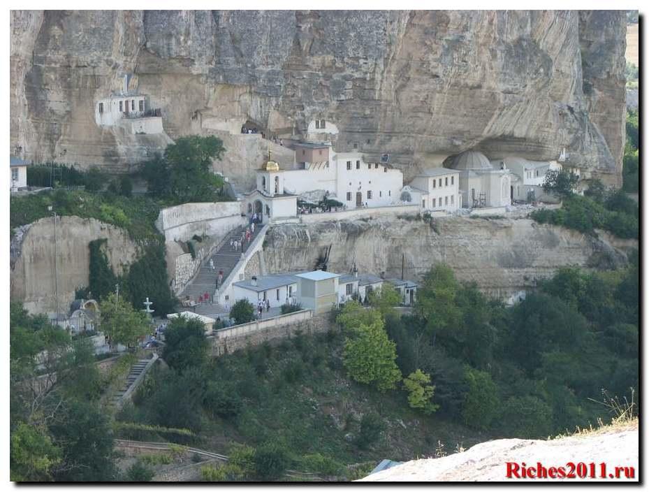Свято-Успенский монастырь в Бахчисарае.