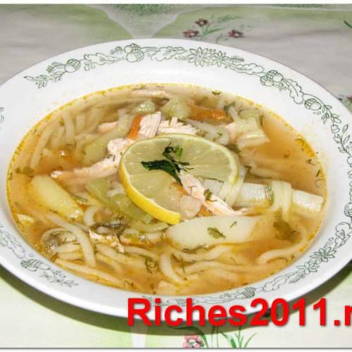 Как приготовить куриный суп необычно и быстро.