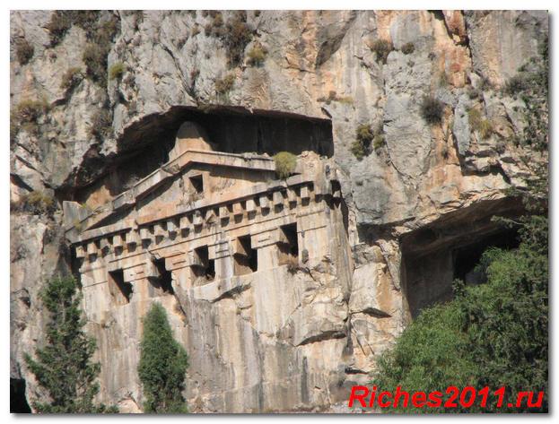 likiiskie grobnyci v turci